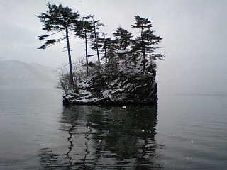 十和田湖の中島